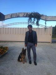 Yanbo yeni sahibi ile birlikte